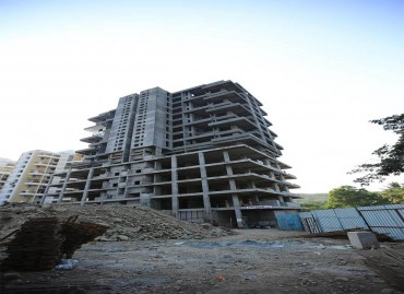 January 2016  Amit's Montecito Building D Side View  Super Luxury 3 & 4BHK in Sahkar Nagar, Pune